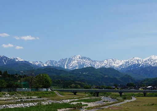 140522_hakuryubashi_tsurugidake_zoomin_web